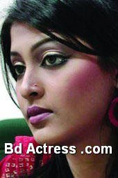 Bangladeshi Model Sarika big face