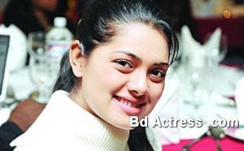 Bangladeshi Model Tisha smile