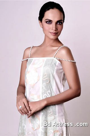 Pakistani Model Amina Sheikh picture