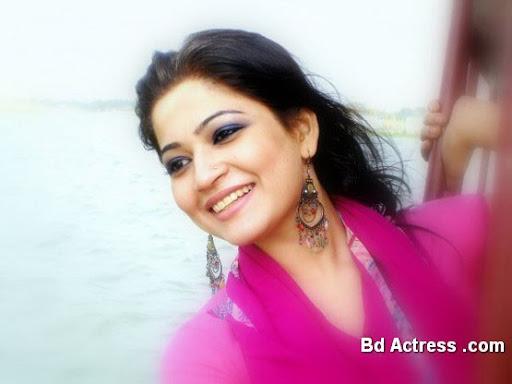 Bangladeshi Model Badhon pic