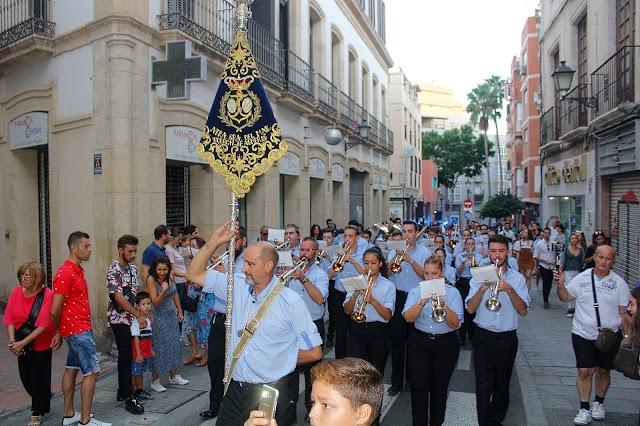 La Agrupación Musical Nuestra Señora del Mar en la procesión de la Virgen del Rosario.