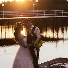 Wedding photographer Olesya Karakulova (Fishka). Photo of 11.08.2016