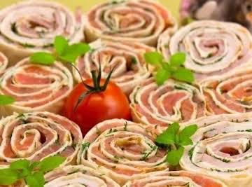 Tortilla rolls with salmon or ham