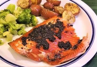 Peppercorn-crusted Salmon W/ White Wine Sauce