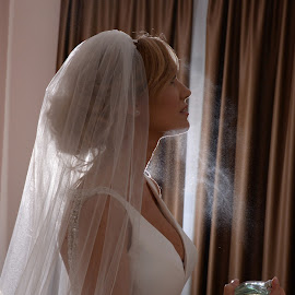 Perfume by Sasa Rajic Wedding Photography - Wedding Bride ( bride, lightning, wedding photography, wedding photographer, wedding details, wedding day, wedding )