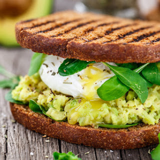 Smashed Avocado and Poached Egg Sandwich Recipe
