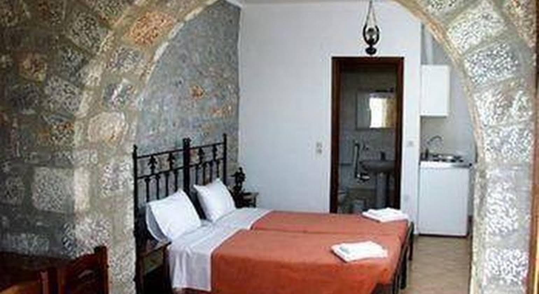 Las - Giannakakoy Traditional Stone Houses
