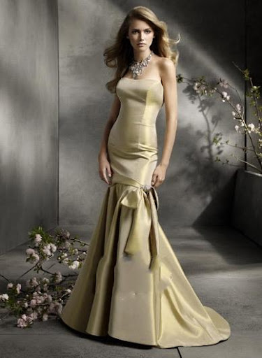 Slim Fit Design Classic Wedding Dress