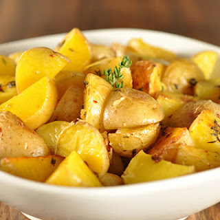Roasted Garlic And Thyme Potatoes