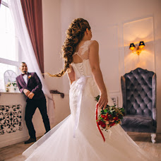 Wedding photographer Kseniya Grobova (kseniyagrape). Photo of 01.12.2017