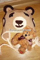 Подарок ребенку на год - вязаная шапочка мишка с ушками