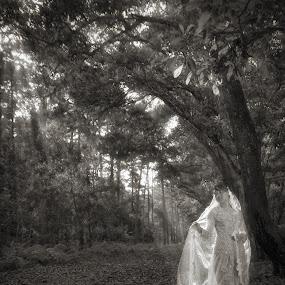 Glow In The Dark by Encik Gelap Gulita - People Portraits of Women