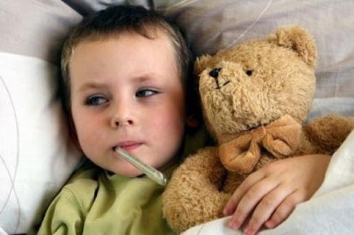 Những bệnh dễ mắc trong thời tiết mưa phùn, nồm ẩm bố mẹ cần chú ý