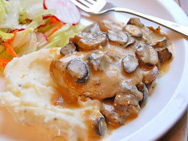 Slow Cooker Mushroom Chicken Recipe