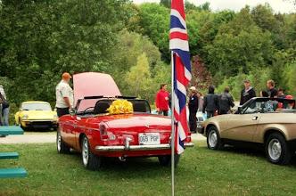 Photo: Devant le drapeau britannique