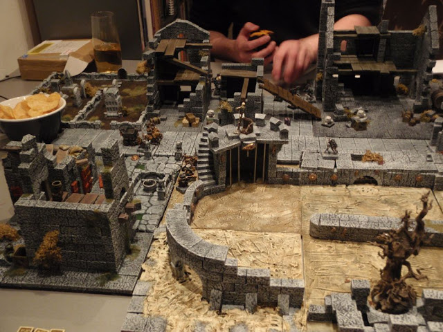 Arena in the streets of Mordheim P2180244