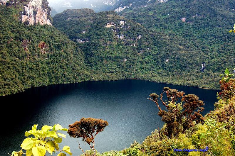 Photo: http://leymebamba.com/Laguna-de-los-Condores