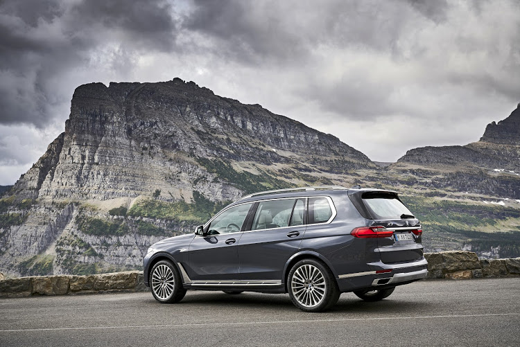 The flagship BMW X7 M50d has a six-cylinder in-line diesel powerplant under its hood, delivering 294kW and 760Nm.