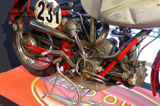 Moto Guzzi Bicilindrica racer.