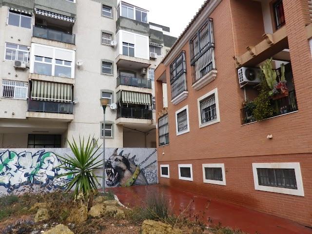 Las nuevas y las viejas viviendas comparten jardines.