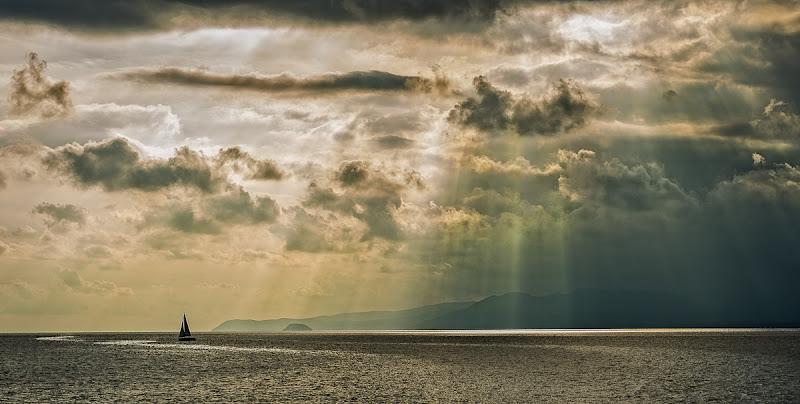 Cascata di luce di Cristiano Giani