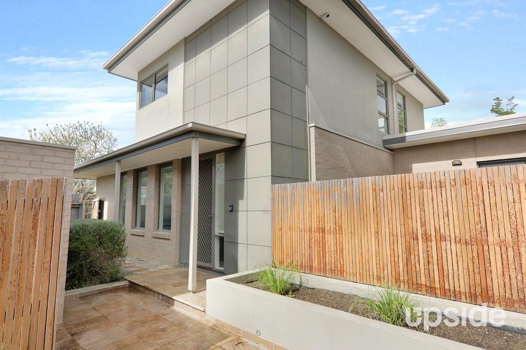 Main photo of property at 2/4 Hume Court, Ashwood 3147