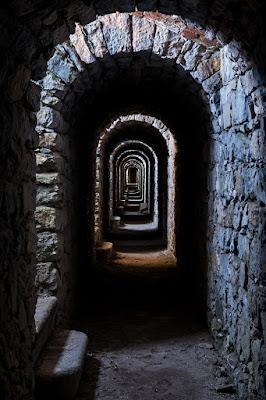 Nel corridoio del forte