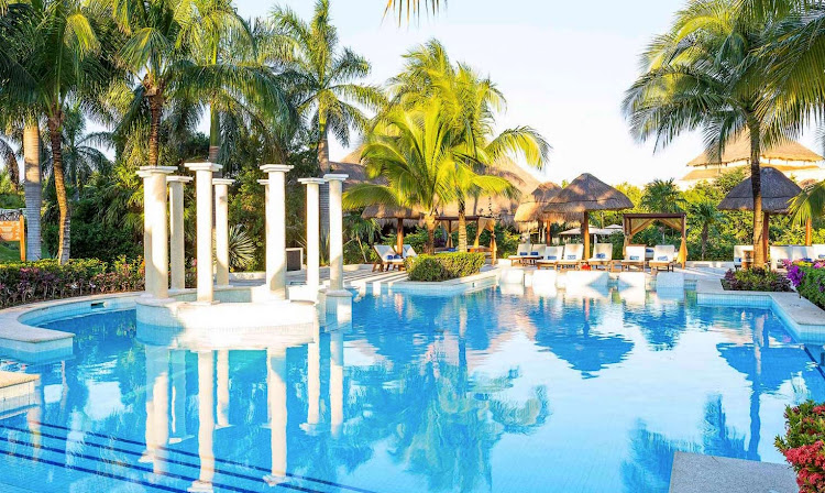 The main pool of Royal Suites Yucatan (click to enlarge).