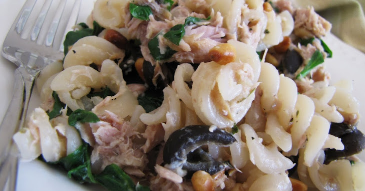 Tuna Pasta with Spinach, Pine Nuts and Olives Recipe