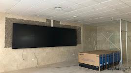 Panel de pantallas ya colocado en la sala que compartirá el centro de tráfico y la sala del 092