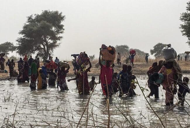ナイジェリア:北東部ボルノ州の町ランに武力攻撃、数千人が隣国カメルーンに避難