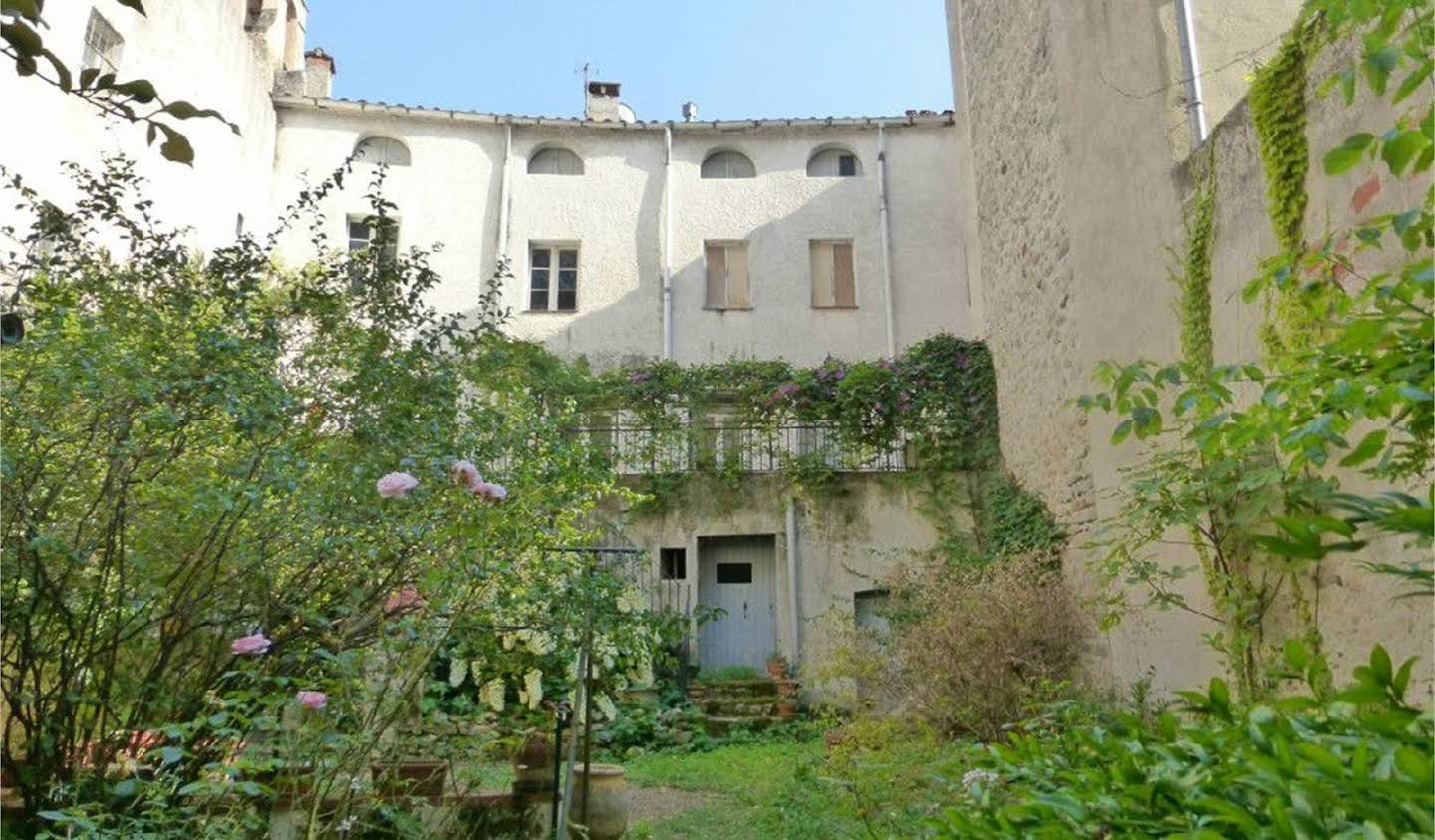 Private mansion with garden Ceret