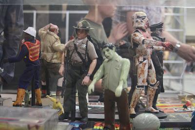 Muñecos zombies