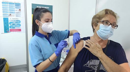 Hasta tres vacunas el mismo día en el Palacio: gripe, covid y neumococo