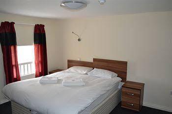Abbots House Hotel - B&B