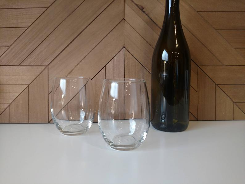 clear stemless wineglasses