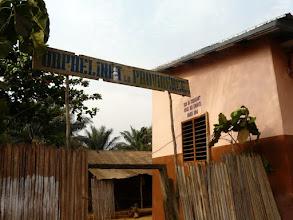 Photo: Visite traditionnelle à l'orphelinat la Providence, connu de nombreuses ONG