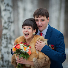 Wedding photographer Nina Pozhidaeva (Nini). Photo of 07.12.2015