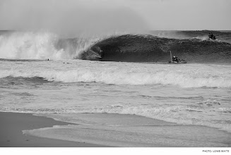 Photo: Photo of the Day: Damien Hobgood, Pipeline. Photo: Lowe-White #Surfer #SurferPhotos