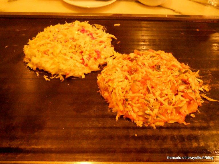 Préparation des okonomiyaki