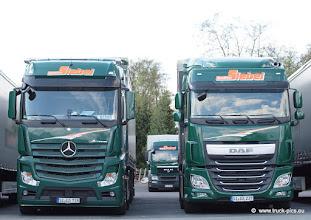 Photo: NEW ACTROS & NEW DAF    ---> www.truck-pics.eu