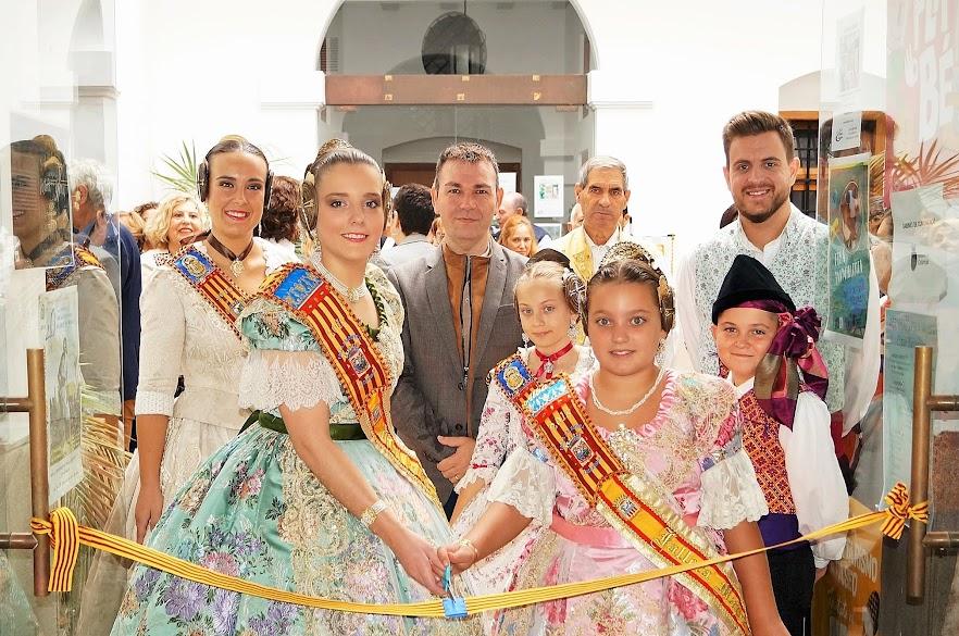 """Inauguración de la exposición que organiza la Asociación Cultural Falla L'Albufera, bajo el nombre de """"9 Dies d'Octubre"""""""
