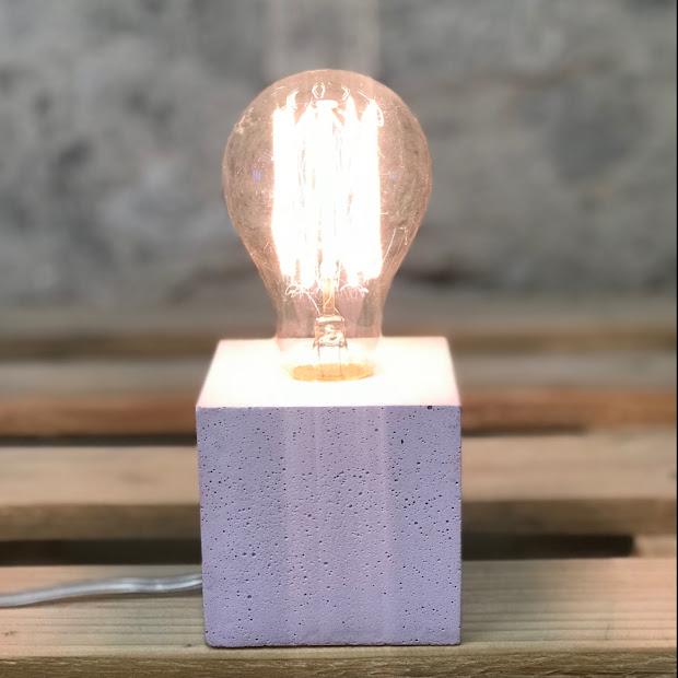 Lampe cube béton rose pastel