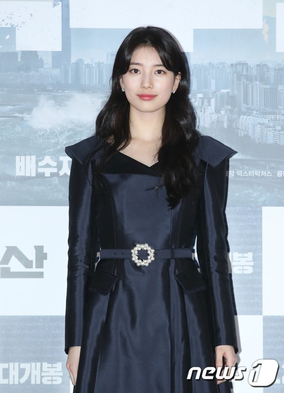 actor-bae-suzy-poses-at-a-media-premiere-of-the-movie-ashfall-director-by-lee-hae-jun-kim-byung-seo-held-at-yongsan-cgv-in-seoul-on-the-18th