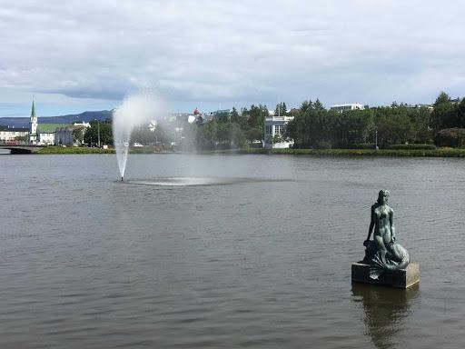 Iceland-Reykjavik-Hijomskalafardurinn-Park.jpg - Hljomskalagardurinn park, Reykjavik, Iceland. Don't kill yourself trying to pronounce it.