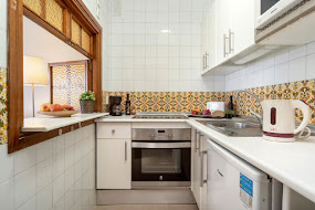 <p style='text-align:center'> 1 Bedroom Apartment: Kitchen </p>