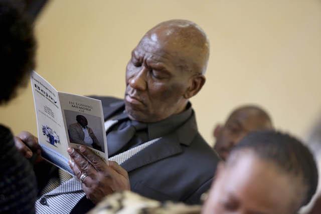 'Goeie nag Bra Sam ... Die dag waarop u in vrede kan rus, kom binnekort': Bheki Cele - SowetanLIVE Sunday World