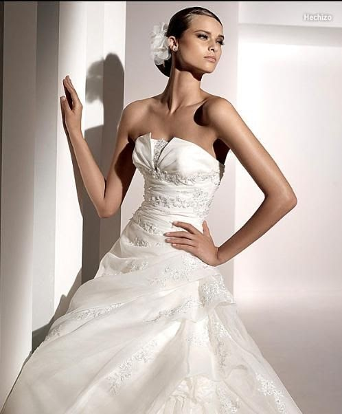The perfect undergarments for strapless wedding gowns for Undergarments for wedding dresses