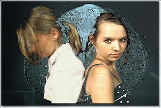 Photo: 2003 08 10 - N 03 06 14 209 w - D 031 - Die zwei Cousinen