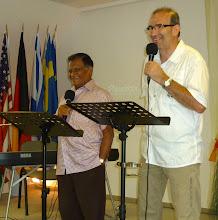 Photo: 2011. június 23-án csütörtökön egy rendkívüli Istentisztelet keretében Jacob Kurien indiai-amerikai szolgáló volt a Gyülekezet vendége.